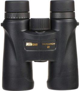 Nikon-Monarch-5-10x42-debout